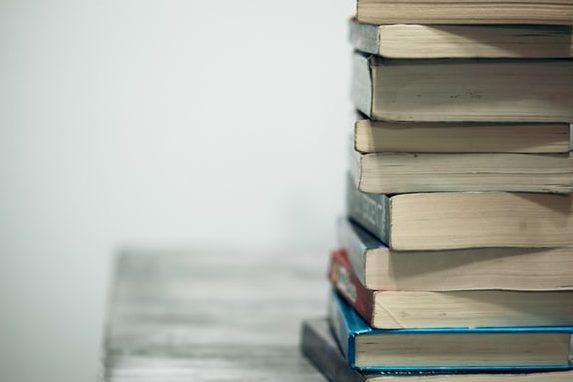 Book Club - Unsplash